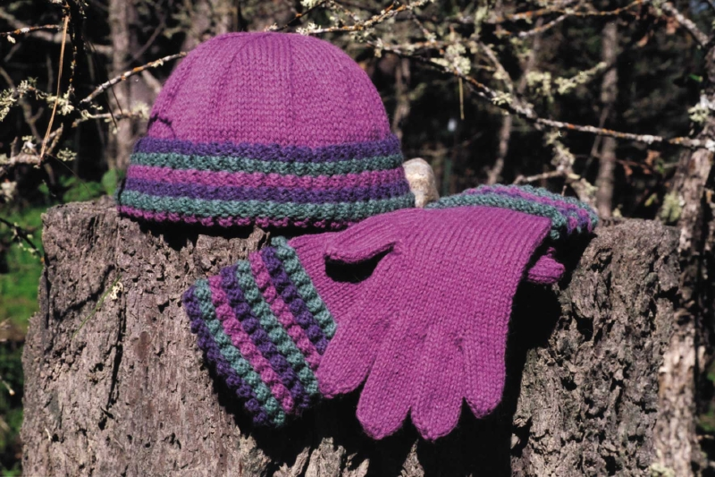 AC304 Tayberry Hat & Gloves