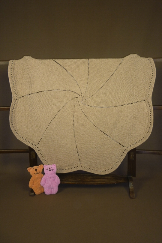 BB223 Lotus Blanket